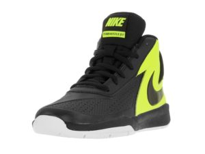 Nike Boy's Team Hustle D 7 Basketball Shoe Review